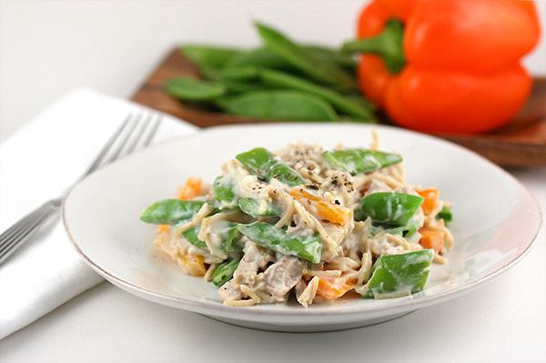 alfredo pasta chicken snap peas pepper
