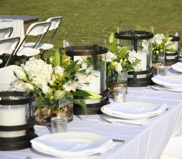 white dinner - table